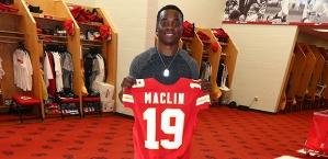 Jeremy Maclin joins Kansas City for $55 million.